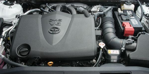 2018 Toyota Camry 3.5-Liter V-6 Engine