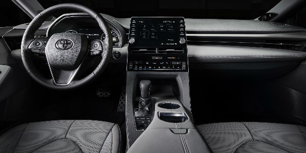 Black 2019 Toyota Avalon XSE Front Interior with Steering Wheel, Dashboard and Toyota Entune 3.0 Touchscreen