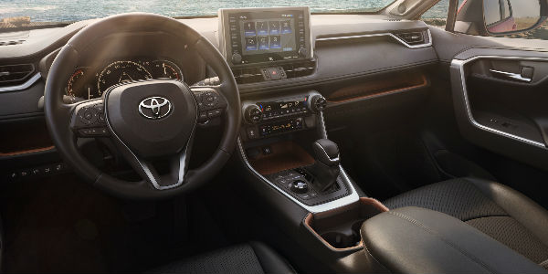 2019 Toyota RAV4 Steering Wheel, Dashboard and Toyota Entune 3.0 Touchscreen