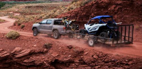 toyota tacoma pulling a trailer
