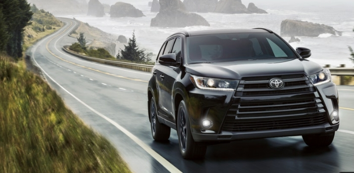 2019 highlander se driving