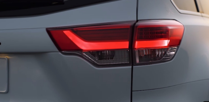 taillight of 2019 highlander