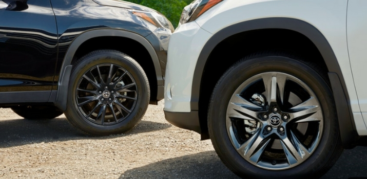two alloy wheels of 2019 highlander